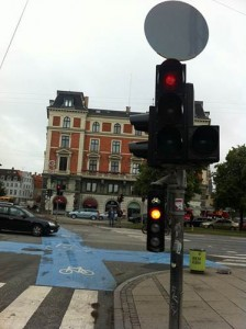 """""""Pre-green"""" lights for cyclists in Copenhagen/ Cian Ginty/ CC BY-NC-SA"""