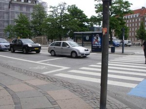 Advanced stop line on the bike lane/ anabananasplit@Flickr/ CC BY-NC-SA