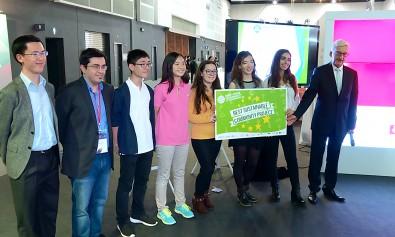 prize_presentation_group_photo